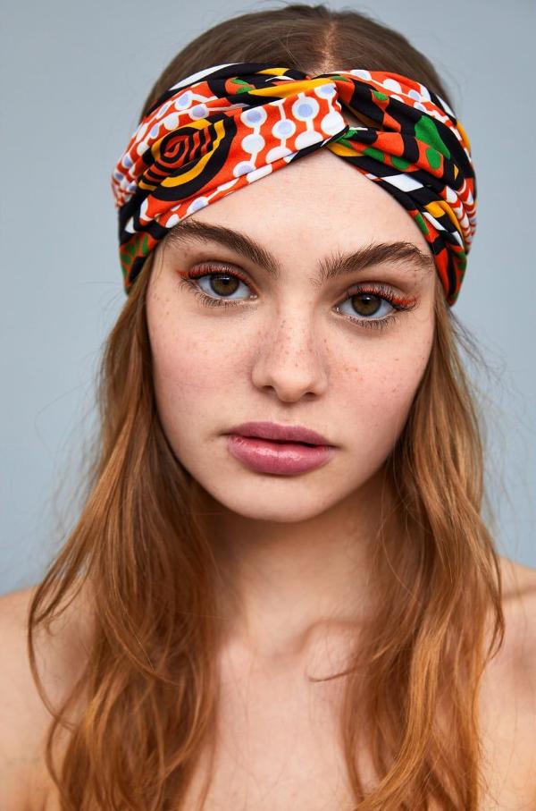 Stilvolle Frisuren mit Haarband für jeden Anlass und jede Jahreszeit bunt und hübsch ideen schmuck