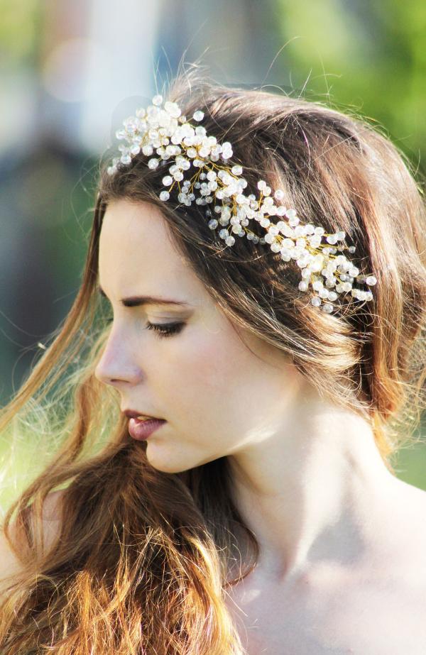 Stilvolle Frisuren mit Haarband für jeden Anlass und jede Jahreszeit hochzeit haarband ideen