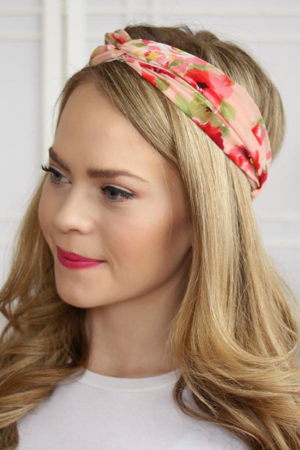 Stilvolle Frisuren mit Haarband für jeden Anlass und jede Jahreszeit rosa blumen haarband floral