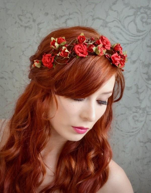 Stilvolle Frisuren mit Haarband für jeden Anlass und jede Jahreszeit rote rosen ideen