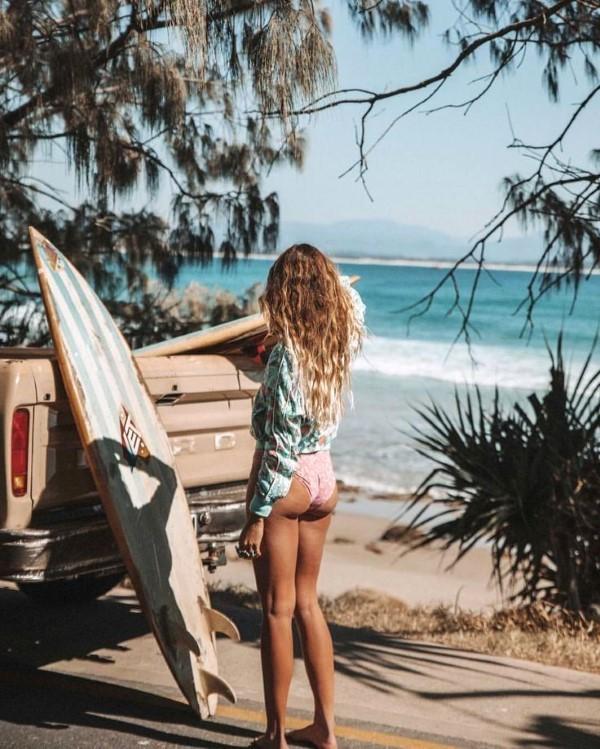 Surfer Frisur – der aktuelle Sommerlook schlechthin frisur ideen für sommer