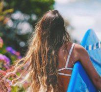 Surfer Frisur – der aktuelle Sommerlook schlechthin
