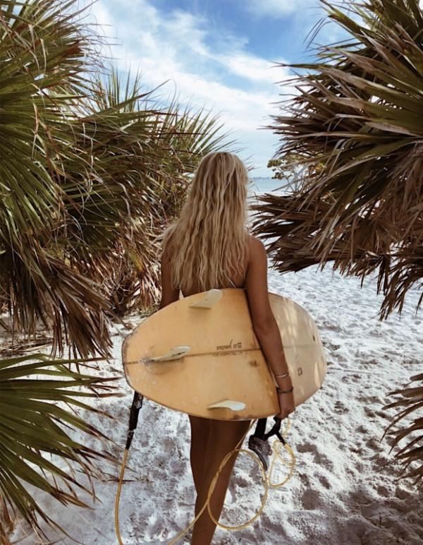 Surfer Frisur – der aktuelle Sommerlook schlechthin surfer lebensstil und einstellung