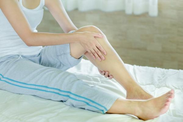 Wadenkrämpfe nachts Ursache Wissenswertes Muskelkrämpfe