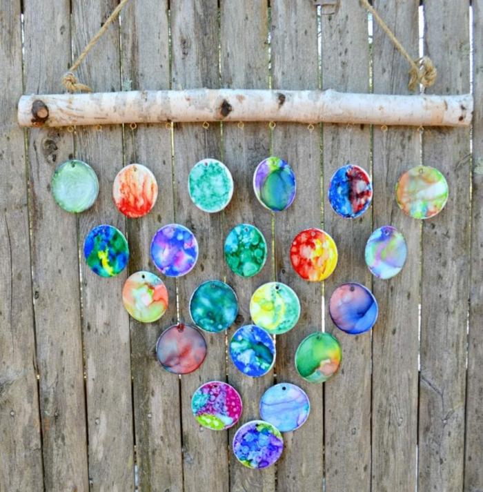 Windspiel basteln mit Naturmaterialien diy ideen eichel