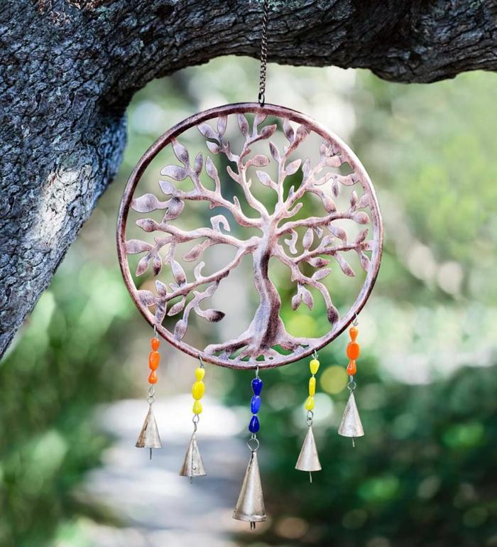 Windspiel basteln mit Naturmaterialien diy ideen sommer deko ideen baum des lebens