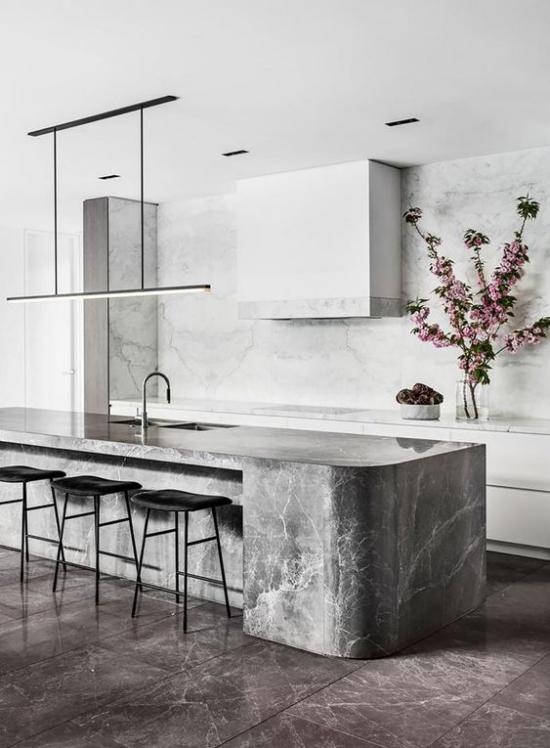 integrierte Dunstabzugshaube moderne Küche in Grau Kücheninsel aus grauem Marmor