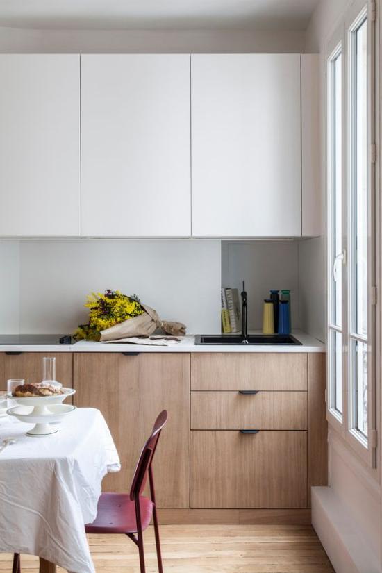 integrierte Dunstabzugshaube nahtloser Look kleine Küche Essraum