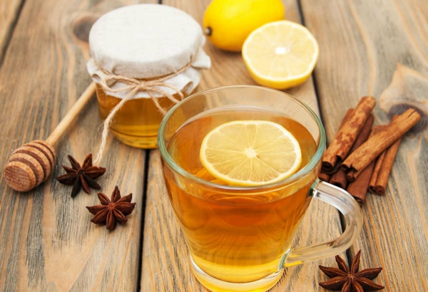 japanische wasserkur warmes wasser mit zitrone und honig