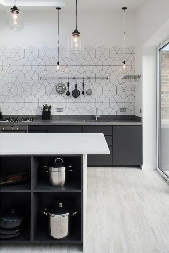 küche ohne hängeschränke originelle küchenrückwand gestalten