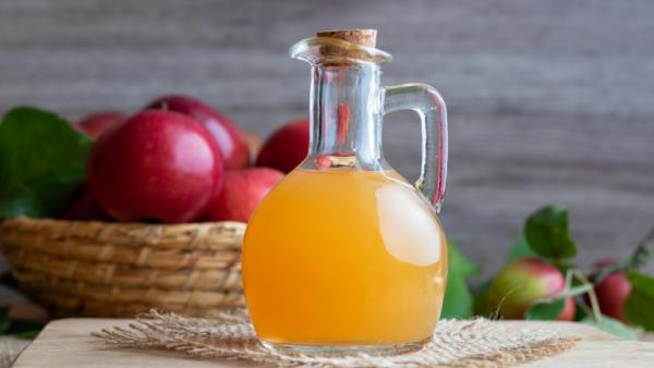 natürliche Fettverbrenner Apfelessig Wunderwaffe gegen lästiges Übergewicht 1 EL täglich zu sich nehmen