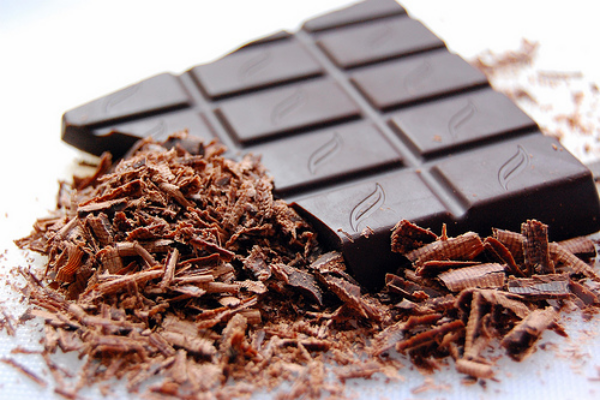 natürliche Fettverbrenner dunkle Schokolade mit hohem Kakaoanteil richtiger Fettkiller