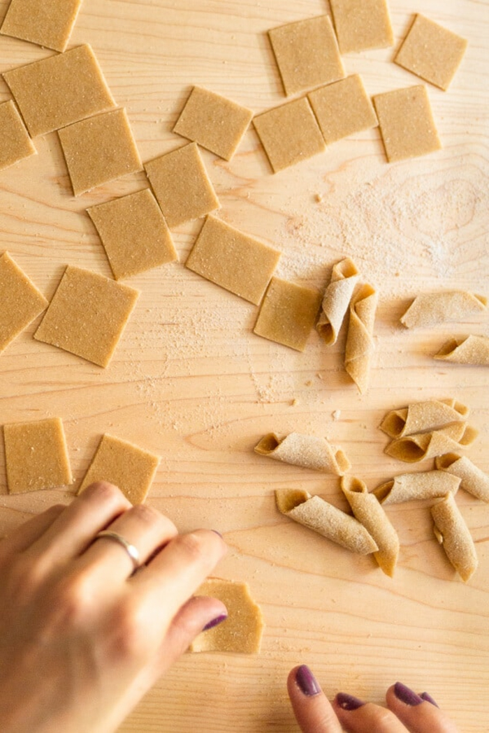 pasta selber machen nudelholz