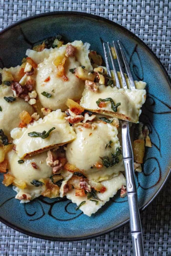 pasta selber machen'mit füllung raviolli feinschmecker