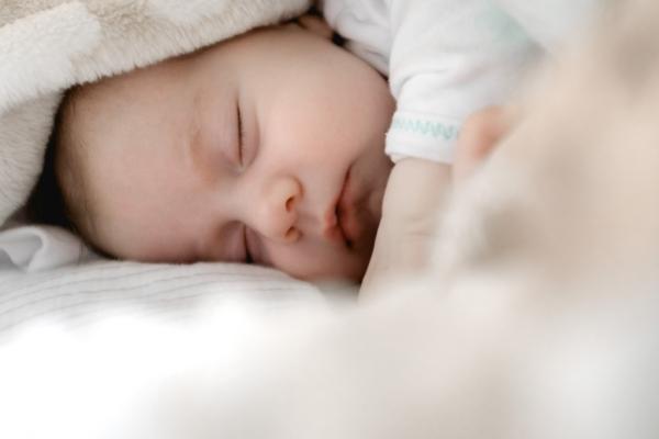peter oslanec babyschlaf unsplash