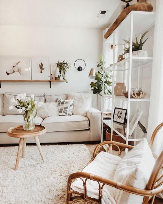 zeitlose Farben Weiß Beige Taupe viel Holz grüne Zimmerpflanzen alles richtig verwendet