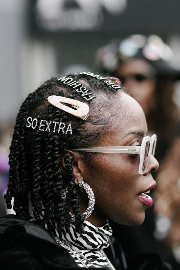 90er Jahre Frisuren feiern ein Comeback mit coolen Schnitten und Styles Box Braids Afro