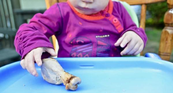 Babybrei Rezepte und Tipps für eine gesunde und schmackhafte Beikost hähnchen mit knochen