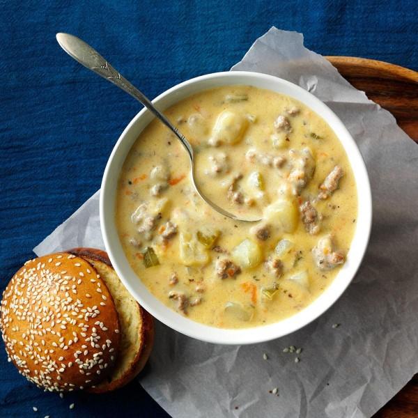 Cheeseburger Suppe – köstliches und gesundes Rezept für Fast Food Fans hamburger suppe mit viel käse