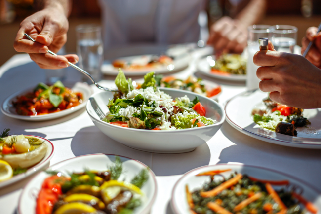 Diät-Regeln Gemüsesalate gesundes Essen wenig Kalorien