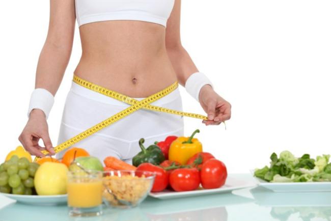 Diät-Regeln morgens Obst essen den Tag mit Vitaminen und Ballaststoffen beginnen