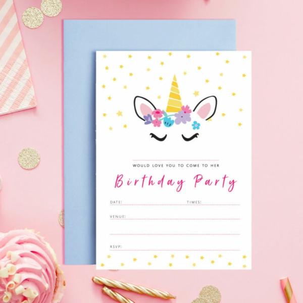 Einladung Wortlaut Kindergeburtstag feiern Einladungskarten gestalten Mädchen