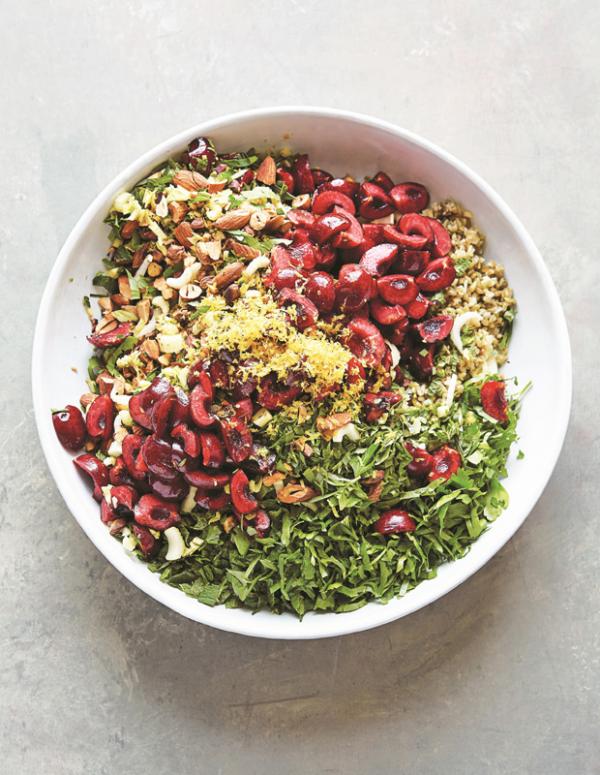 Frische Sommersalate Freekeh Tabule aus dem Nahen Oste