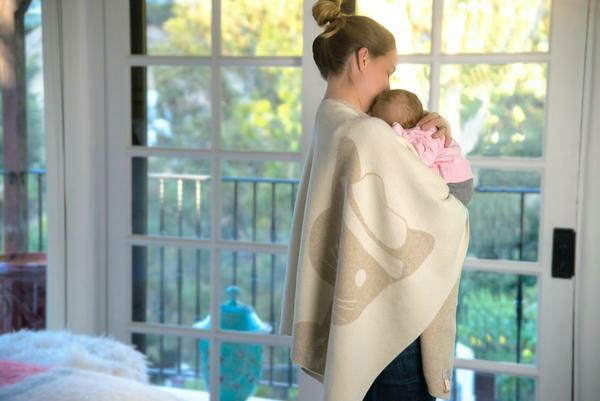Geschenkideen für frischgebackene Mütter flauschige Decke