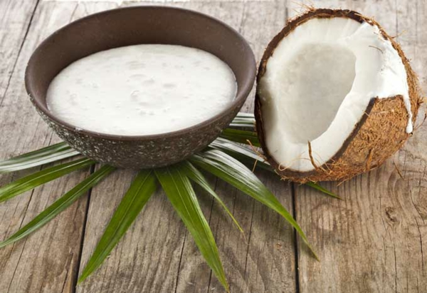 Hausmittel gegen Haarausfall Kokosmilch