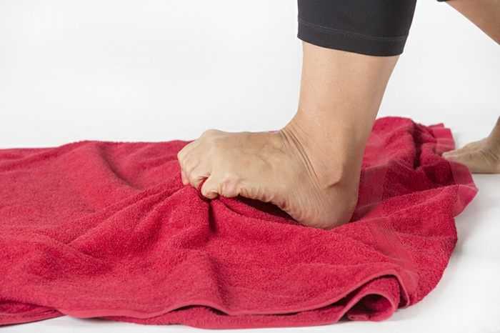 Plattfüsse Übungen plattfuß behandlung mit den zehen greifen