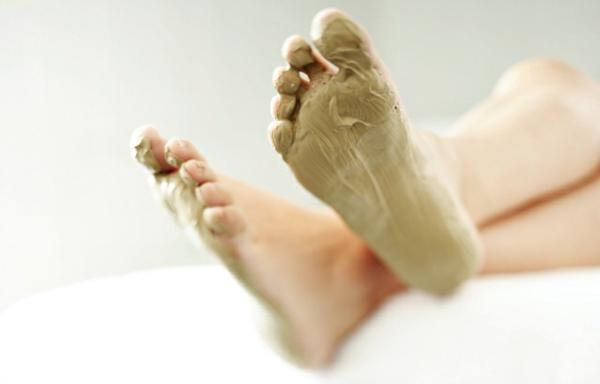 Rezepte für eine selbstgemachte Fußmaske schöne Fußhaut