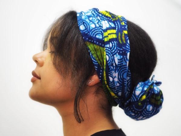 Stilvolle und schöne Frisuren für schulterlange Haare haarband floral hübsch