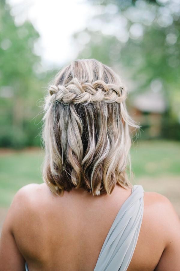 Stilvolle und schöne Frisuren für schulterlange Haare hochzeitsgast zopf