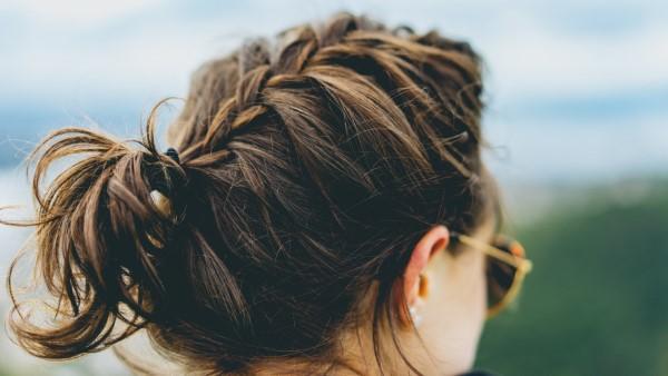 Stilvolle und schöne Frisuren für schulterlange Haare zopf französisch holländisch