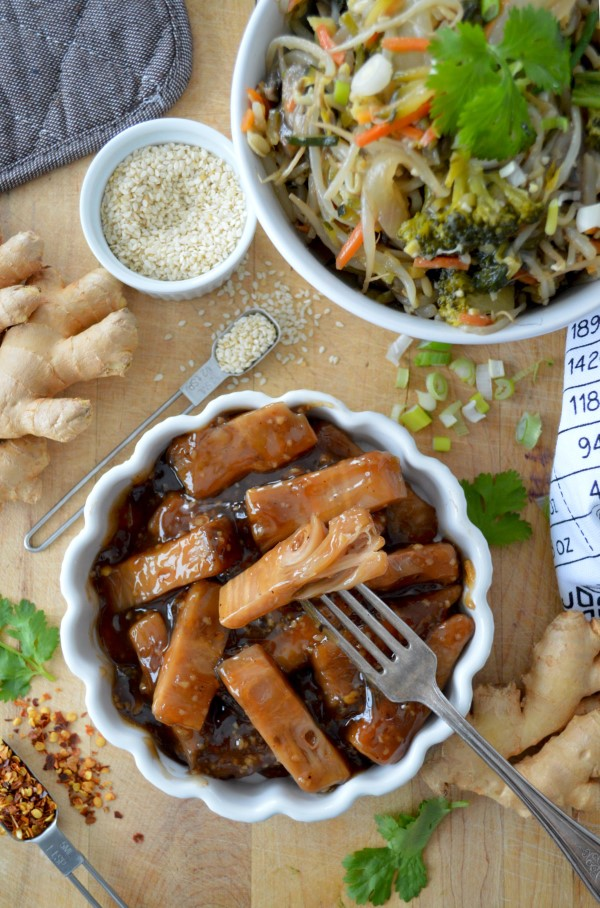 Vegane Jackfruit Rezepte und Wissenswertes über den exotischen Fleischersatz soya soße jackfrucht
