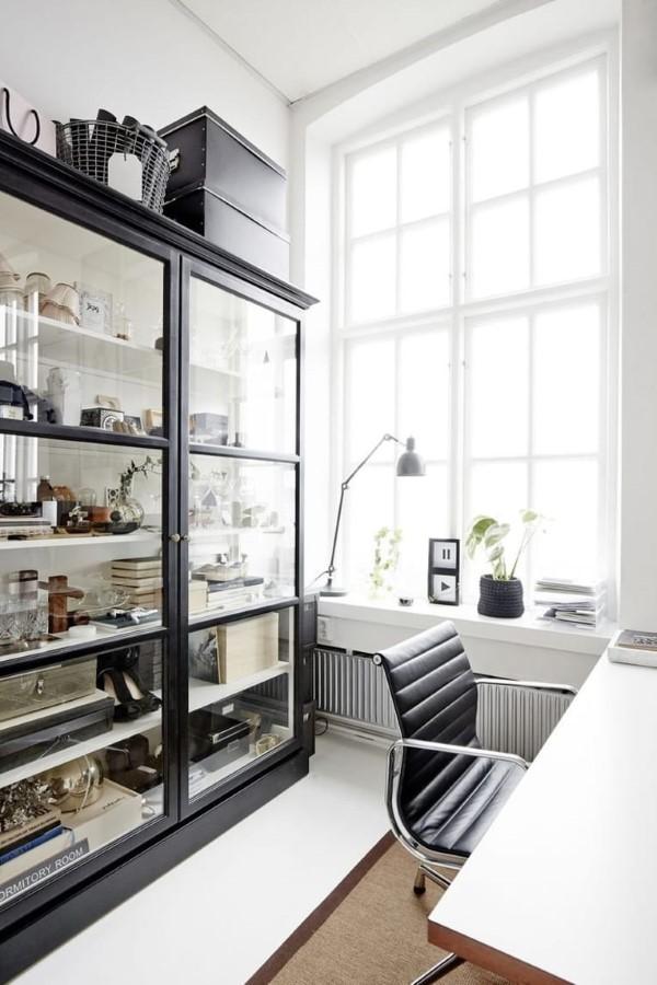 Vitrine dekorieren – Ideen und Tipps für eine gelungene Einrichtung home office heimbüro ideen
