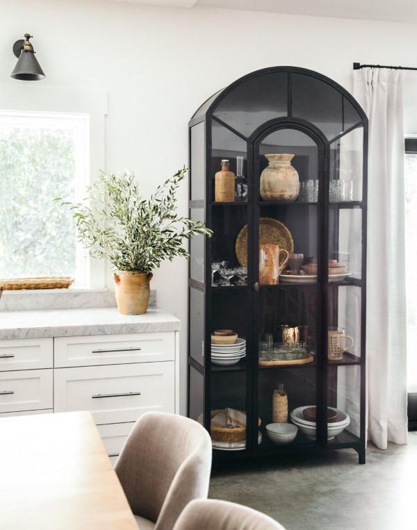 Vitrine dekorieren – Ideen und Tipps für eine gelungene Einrichtung stilvolle retro ideen deko