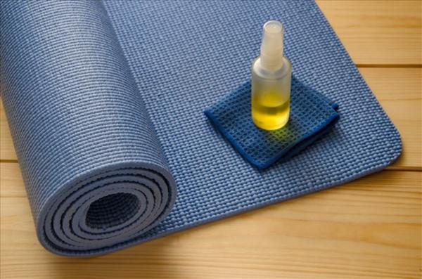 Yogamatten-Reinigungsmittel machen Yoga und Gesundheit selbst