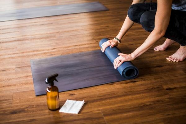 Yogamatte Yogastunde Reinigungsmittel selber machen