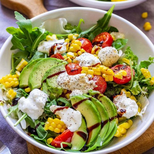 burrata rezept salat avocado mais