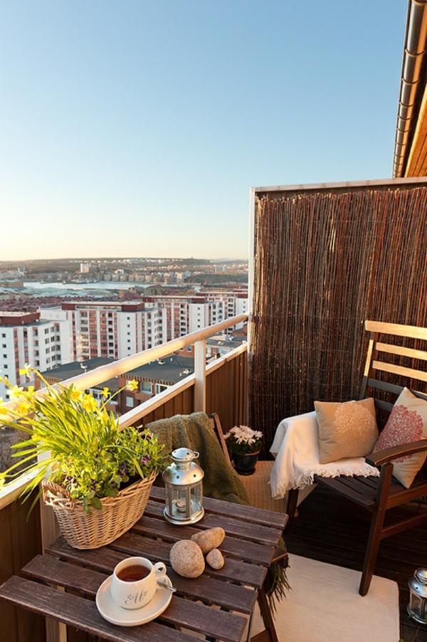 kleiner balkon deko ideen schöne aussicht