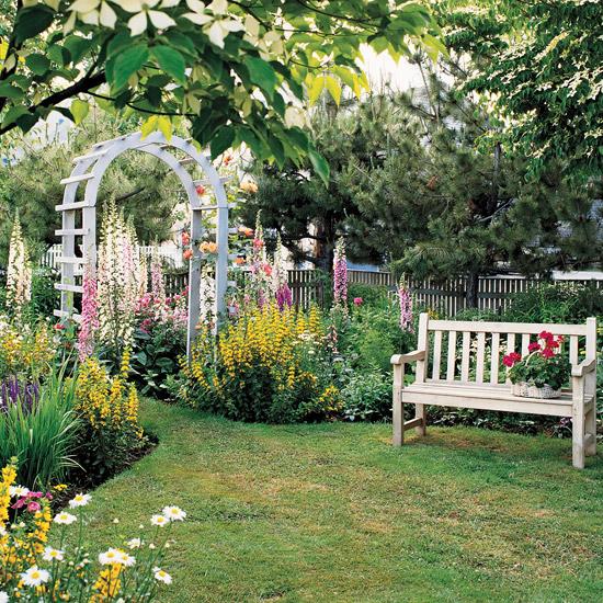 mehr Farbe in den Garten bringen schön gestaltete Oase der Ruhe bunte Blumen