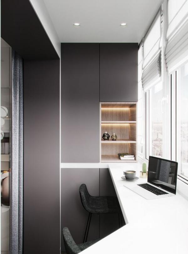 minimalistisches Home-Office viel Tageslicht mit integrierter LED-Beleuchtung kombinieren