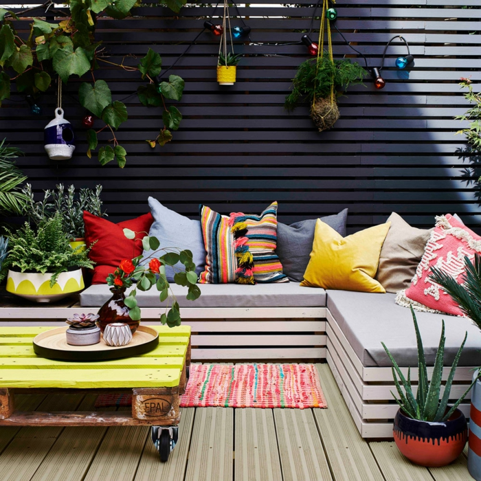 terrasse dekorieren outoddor deko sitzgelegenheit