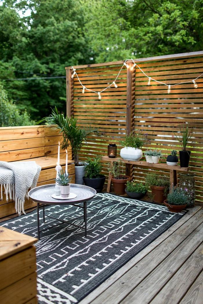 terrasse dekorieren outodoor deko badewanne festlich bodenteppich