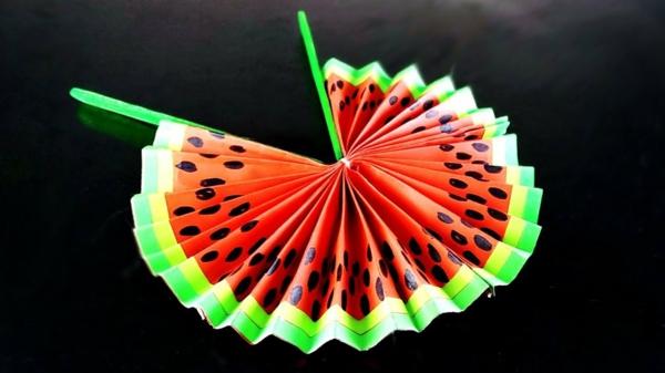 wassermelone fächer basteln aus papier sommer