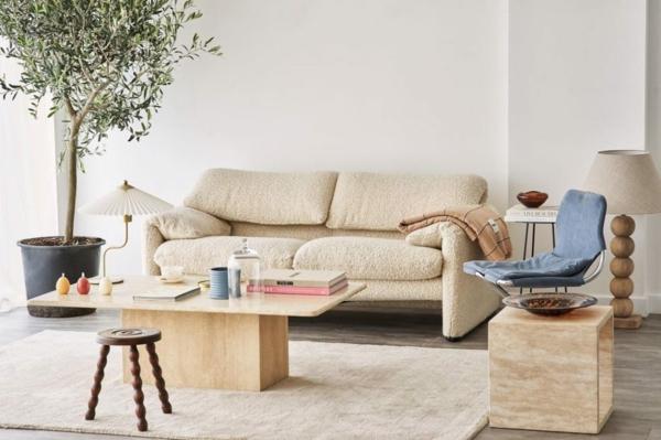 wohnliches wohnzimmer einrichten bouclé sofa