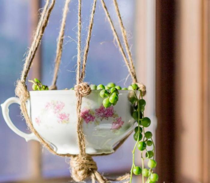 Alte Tassen DIY Ideen blumen einpflanzen creative ideen mit tassen