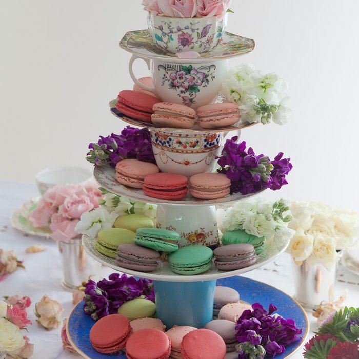 Alte Tassen DIY Ideen weihnachtsdeko kerzen selber machen cupcake
