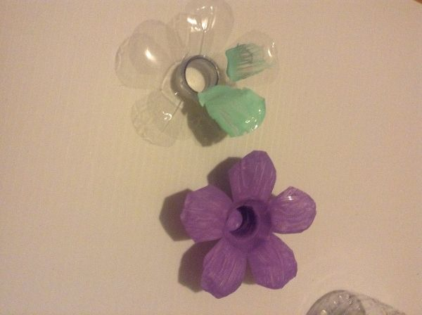 Basteln mit PET Flaschen - tolle Lila Blüten